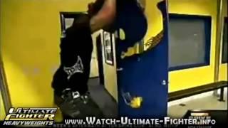 Die besten 100 Videos Rampage Jackson reagiert sich ab! :) Schade um die Tür ;)