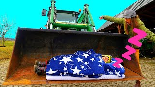 Are You Sleeping in Tractor? Liam and Mommy Funny Kids Stories, Mommy to the rescue