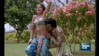 ramya-sex-photos-khloe-kardashian-shows-boob