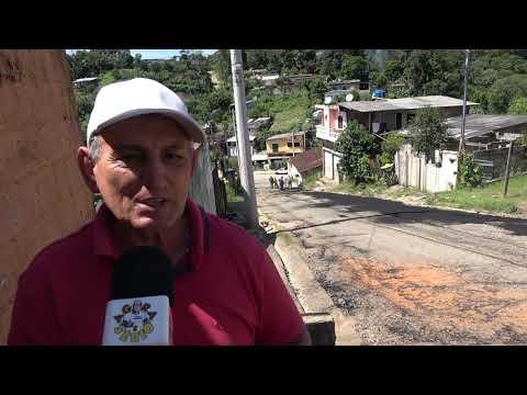Prefeito Ayres Scorsatto  faz  Manutenção na Rua Jorge Nino Soares na Favela do Justinos Morro do Kiabo