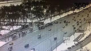 Наезд автобуса в пешеходном переходе. Славянский бульвар. Причины аварии. Рассказывают свидетели.