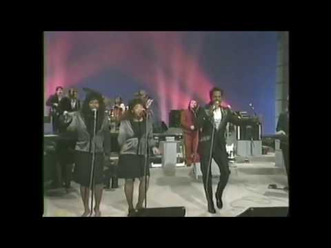 Cornelius Brothers & Sister Rose - Treat Her Like A Lady (audio original, video editado)