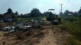 Perbaikan Swadaya Jalan Rawajitu Timur