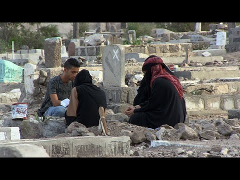 Video: Fighting for survival in war-torn Yemen