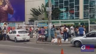 Aniversário de supermercado reúne multidão em Niterói e SG