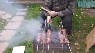 Смотреть онлайн Как мариновать и приготовить шашлык из свинины