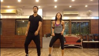Angira Dhar Vicky Kaushal amazing dance in dance studio !