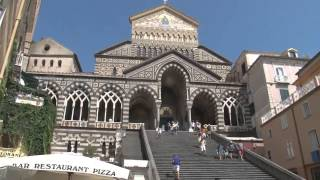 preview picture of video 'Taste of Italy #07 - Naples, Sorrento and the Amalfi Coast - Sorrento Express Italian Food UK'