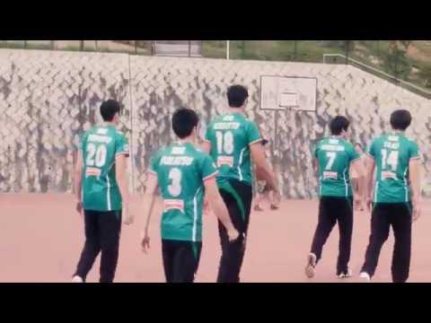 ¡Jugadores del Voleibol juegan Baloncesto - VIDEO VIRAL