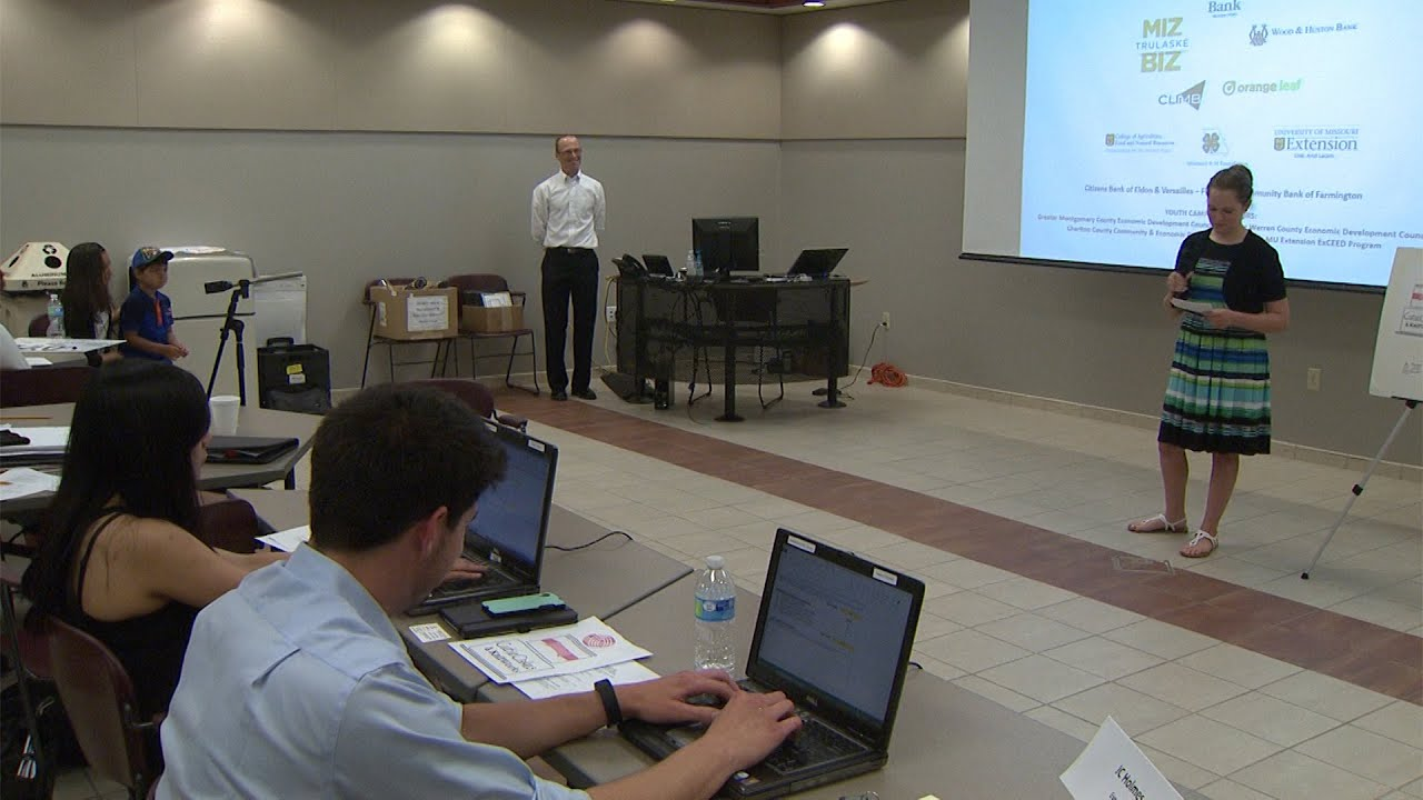 Young Entrepreneurs: 4-H Build-A-Business camp