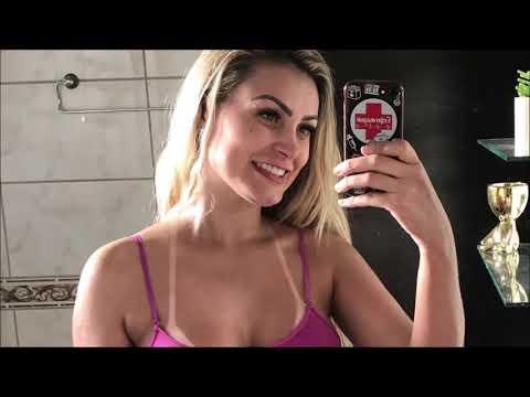Andressa Urach coloca silicone e comemora