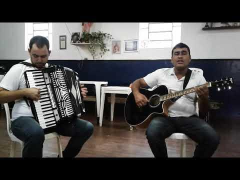 Pedreiro de Santa  Rita de jacutinga(MG) compõe música