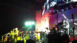 Arcade Fire Vampire / Forest Fire @ Zénith de Paris - 28 Juin 2011