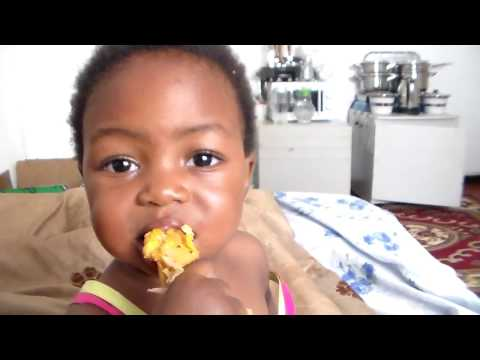 FUN WITH FAFI - Baby Fafi learns to eat chicken