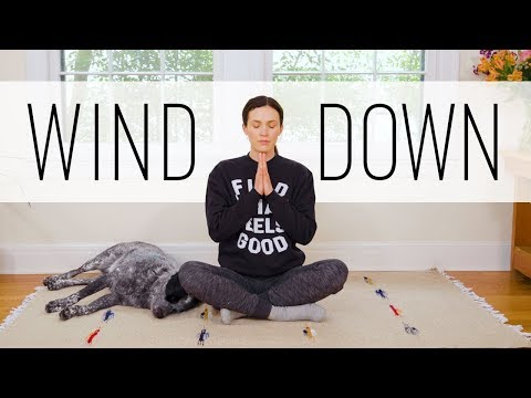 Relaxing Bedtime Yoga Tutorial For a Good Night's Sleep