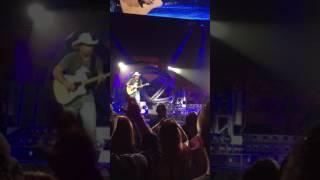 """Trisha Yearwood, """"Walkaway Joe"""", Billings, MT 6/11/17"""