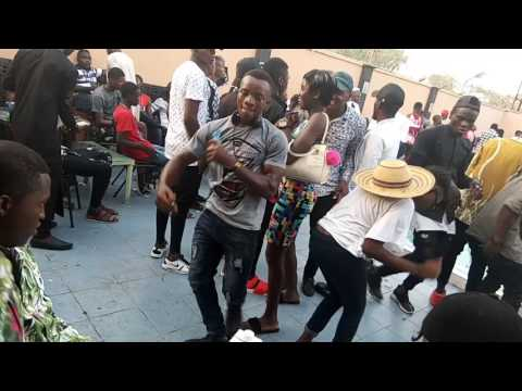 Look at how nigeria girl dancing in club you will like it