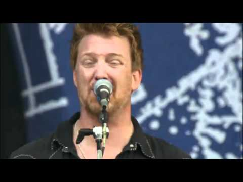Queens Of The Stone Age - Little Sister @ Rock Werchter 2011