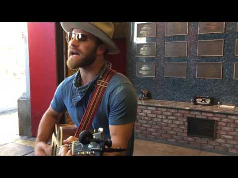 "Drake White Plays ""Everyone's Got A Story"" Unplugged At FDNY 288 Mp3"