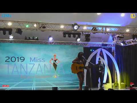 BARNABA Athibitisha Uwezo wake katika Jukwaa la Miss Tanzania/Atoa neno kwa Washiriki.