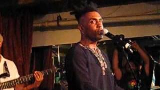 "Omar Live Performance, ""Everybody Loves the Sunshine,"" 4.3.09"