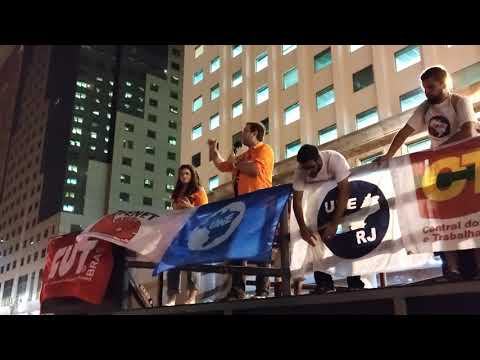 Coordenador do SindipetroNF denuncia entrega do pré-sal em ato contra o governo federal