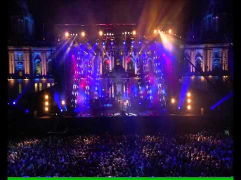 Snow Patrol - Set the Fire To The Third Bar live at MTV European Music Awards 2011