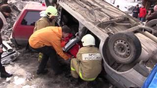 Казанские спасатели научили студентов-медиков оказанию первой помощи при ДТП