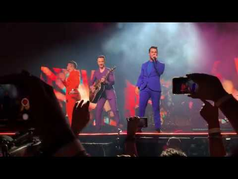 Jonas Brothers - RollerCoaster Happiness Begins Tour Opening Night Miami