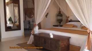 preview picture of video 'Baraza, holidays and honeymoons, video of Baraza on the East Coast of Zanzibar with Africa Odyssey'