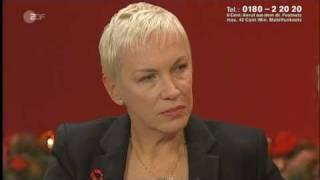 Annie Lennox - Interview + Universal Child live (01.12.2010 Die größten Weihnachts-Hits, ZDF)