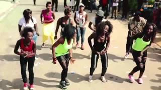 Tour 2 Garde   Démonstration de la danse Makassa