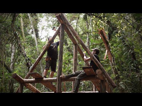 O telhado da cabana começou a tomar forma! - Projeto Refúgio Ep.12