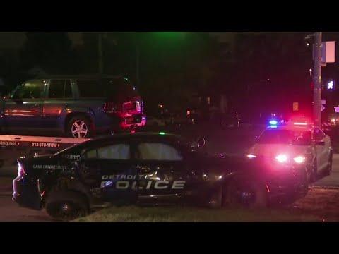 2 Detroit officers injured in crash on city's east side