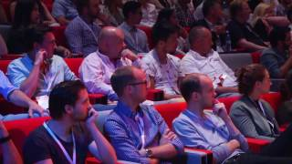 How to present to keep your audience's attention | Mark Robinson | TEDxEindhoven
