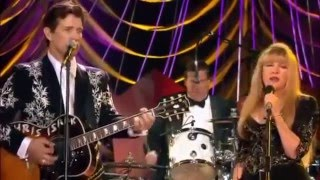 Chris Isaak & Stevie Nicks - Santa Claus is coming to town