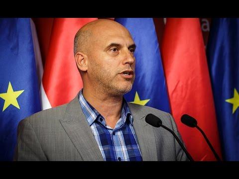 A kormány védje meg a magyarok érdekeit és az Európai Unió határait