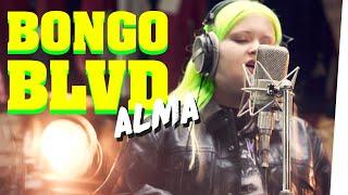 ALMA singt Akustik-Konzert im Second Hand Store