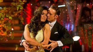 Gambar cover Susanna Reid & Kevin dance the Viennese Waltz to 'Annie's Song' - Strictly Come Dancing - BBC