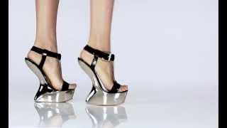 """""""Heelless"""" sandálky Giuseppe Zanotti na lesklé platformě"""