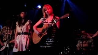 """Lindsay Bryan - """"Skyscraper"""" (live in Victoria, March 2011)"""
