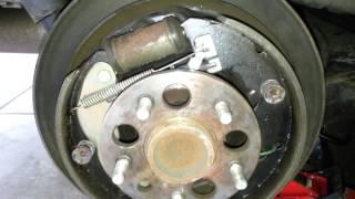 2001 Toyota Sienna - Adjusting rear brake shoes parking brake