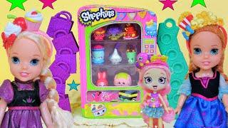 Shopkins! Anna and Elsia Toddlers are Shoppies! Shopkins Vending Machine Bubbleisha  Shopkins