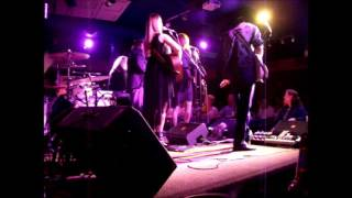 10,000 Maniacs - Candy Everybody Wants 5-24-14