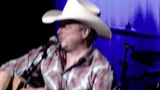 Mark Chesnutt Bakersfield  11 23 20113 054