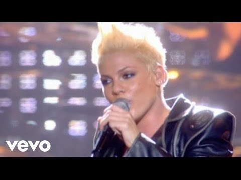 P!nk – U + Ur Hand (Live From Wembley Arena, London, England (Mobile Video))
