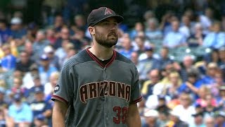ARI@MIL: Ray fans 11 Brewers over 5 2/3 innings