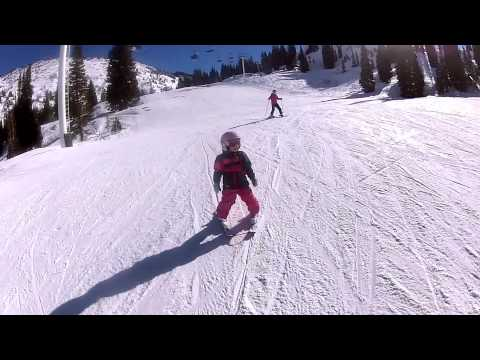 Learn to ski with kids lesson turning lv pla