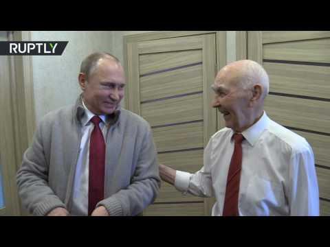PUTİN'DEN KGB'DEKİ HOCASINA ZİYARET