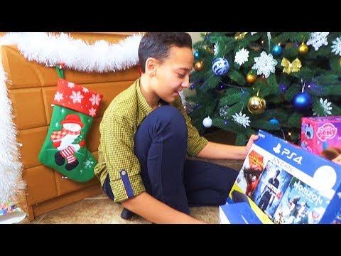 Новогодние подарки для Саши и Насти ПЕРЕЗАЛИВ Консоль нового ПОКОЛЕНИЯ Геймпад ЭТОТ день Настал